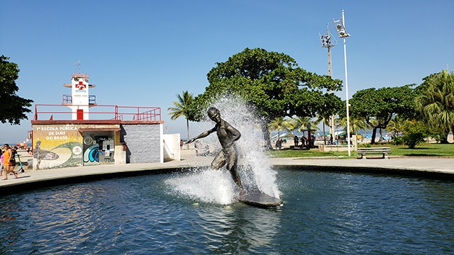 Monumento ao Surfista - Praça do Surfista - Santos - SP